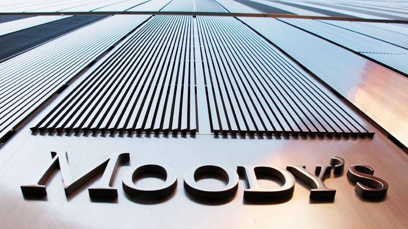 Moody's bajó la clasificación de Chile de