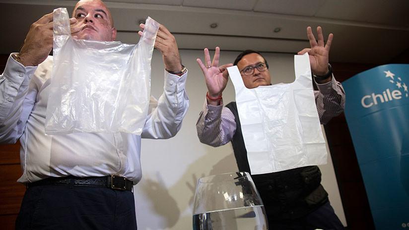 Empresa chilena crea bolsas de plástico solubles en agua que no contaminan el medioambiente