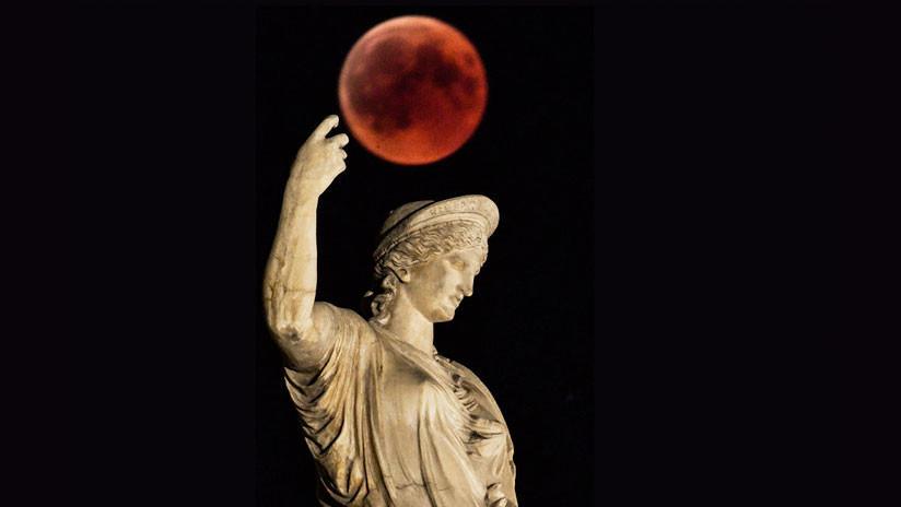 FOTOS: La 'luna sangrienta' acapara las miradas en su 'descenso' a la Tierra