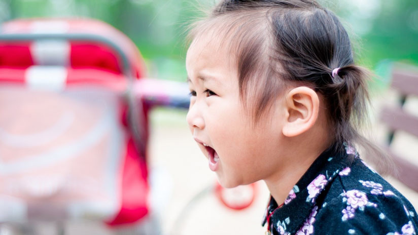 """""""Papá, ¡deja de golpearme!"""": Un fuerte video se hace viral en China"""