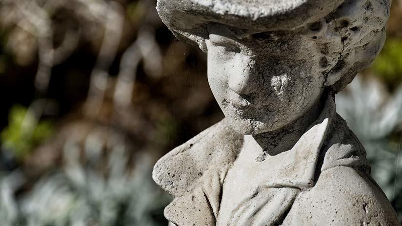 FOTO: Un niño 'se convierte en piedra' debido a una rarísima enfermedad