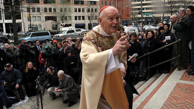 Un cardenal de EE.UU. renuncia en medio de un escándalo de abuso de menores