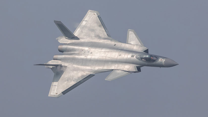 J-20 Dragón Poderoso vs F-22 Raptor: comparamos los mejores cazas furtivos de China y EE.UU. (VIDEO)