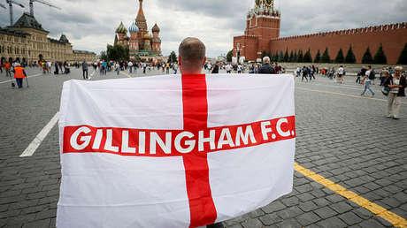 Un hincha de la selección de Inglaterra en la Plaza Roja en Moscú, Rusia, 3 de julio de 2018.