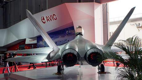 El caza furtivo chino Shenyang FC-31, una versión para exportación del caza J-31, posible 'punto de partida' para el nuevo caza embarcado del país.