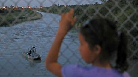 Bote de la Patrulla Fronteriza en el Río Grande cerca de Brownsville, Texas, EE. UU. 26 de junio de 2018.