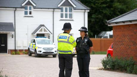 Policías en el lugar del incidente en Amesbury, Reino Unido, el 4 de julio de 2018.