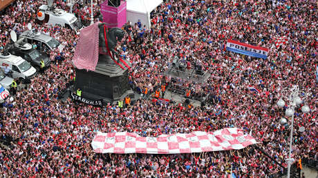 Aficionados croatas en Zagreb, Croacia. 16 de julio de 2018.