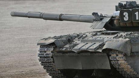 Un tanque T-80U en una demostración de equipo bélico en 2017 cerca de Moscú.