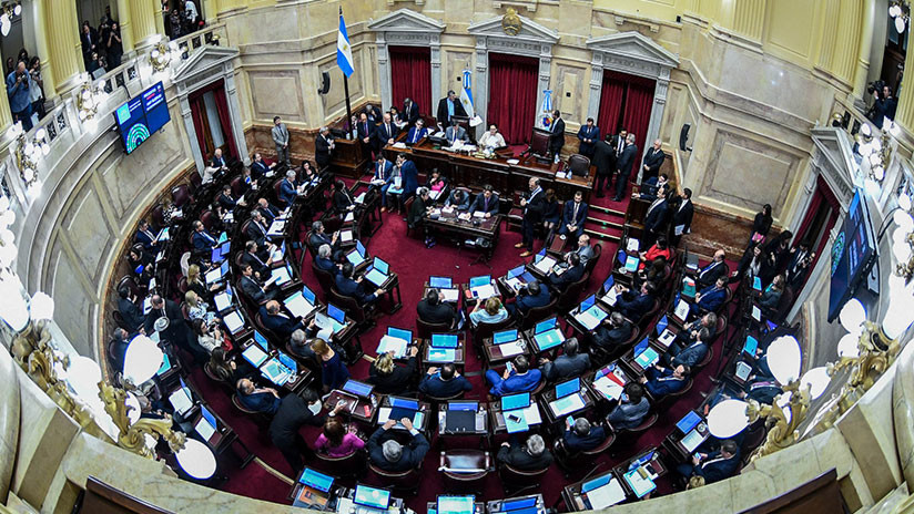 La ley del aborto pierde apoyos en el Senado argentino y se tambalea a pocos días de su votación