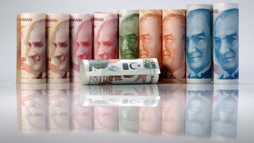 La lira turca se desploma afectada por las sanciones de EE.UU.