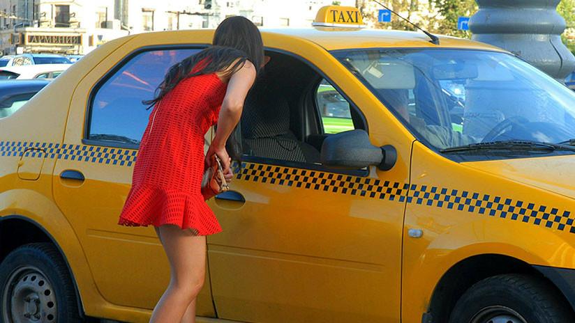 Mujer afirma que un taxista la violó dos veces y la echó del auto pero regresó para llevarla a casa