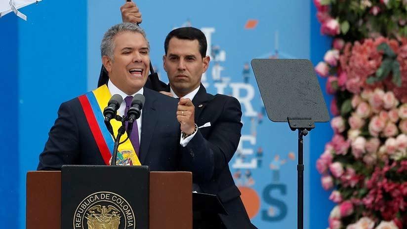 O novo presidente da Colômbia avaliará os diálogos de paz com o ELN
