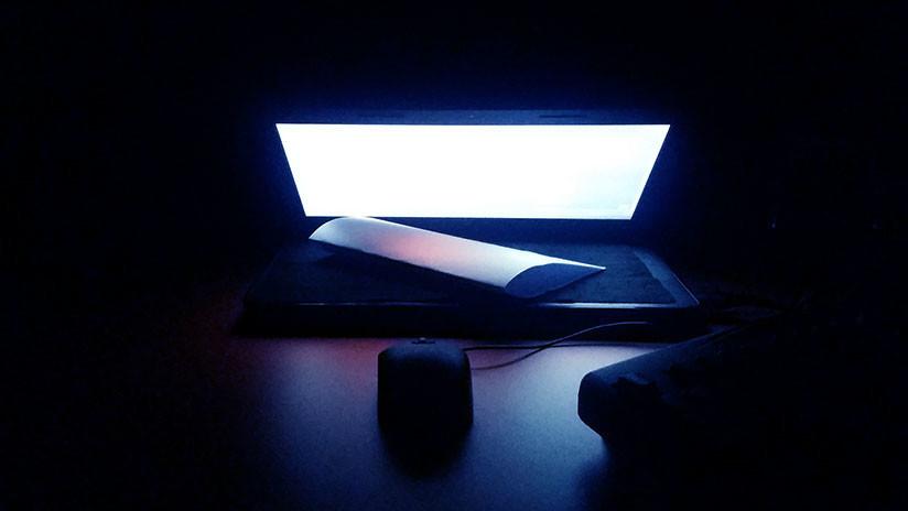 La luz azul de las pantallas de los dispositivos digitales puede acelerar la ceguera