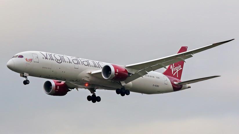 """""""Las personas se desmayaban"""": Avión aterriza de emergencia en Irlanda tras detectarse humo a bordo"""