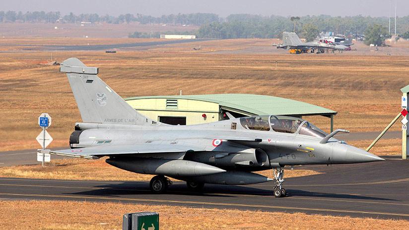 """Contrato de cazas franceses Rafale: """"La mayor estafa de defensa"""" en India"""