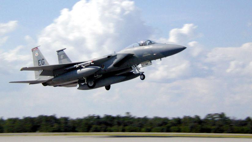 PRIMERAS IMÁGENES del caza F-15 siguiendo al avión robado de un aeropuerto de EE.UU.