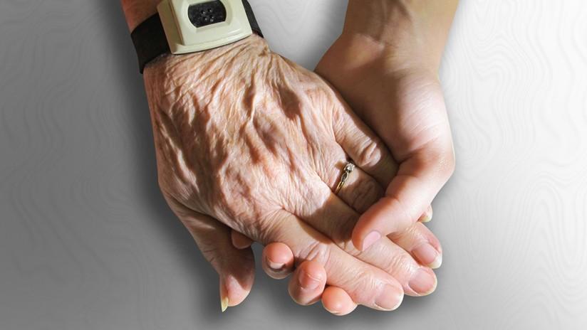 Científicos logran revertir el proceso de envejecimiento de células humanas