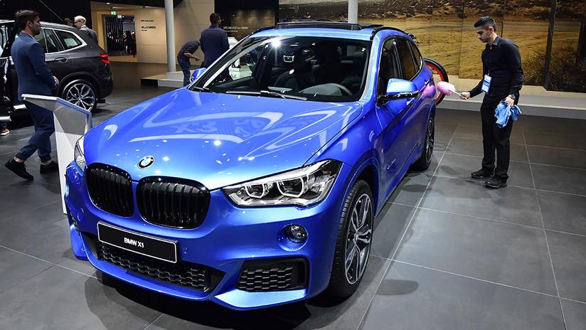 VIDEO: Estrena un lujoso BMW y lo estrella al pisar por error el acelerador