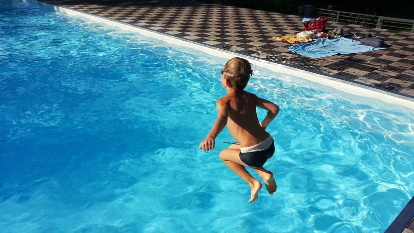 Socorristas alemanes culpan del aumento de niños ahogados a la adicción de los padres al celular