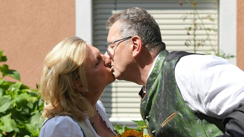 Los tres obsequios que Putin regaló a la ministra de Exteriores austriaca con motivo de su boda
