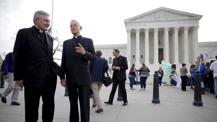 """Entiendo la furia"": Un obispo de Pensilvania acusado de tapar abusos infantiles se niega a dimitir"