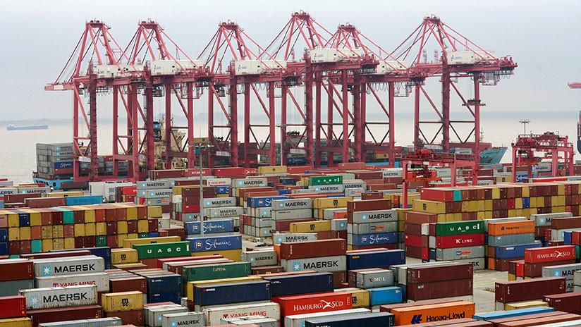 Desde cunas hasta ataúdes: Así afectarán a los estadounidenses los aranceles a los productos chinos