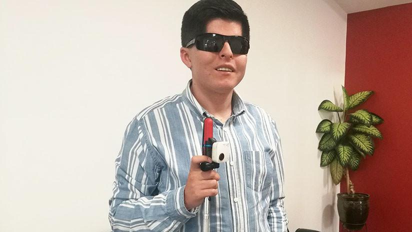 """Fabrican en Ecuador dispositivo que mejora movilidad a invidentes: """"Podemos caminar más tranquilos"""""""