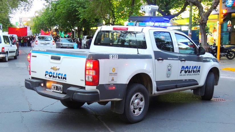 """""""Gatillo fácil"""": Policía argentino investigado por homicidio agravado vuelve al trabajo"""
