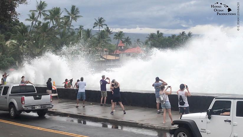 El huracán Lane provoca inundaciones y deslizamientos de tierra en Hawái (EN VIVO)