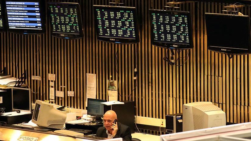 Se desploma la Bolsa de Argentina al registrar una caída de 5,11%