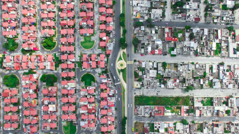 El otro 'muro' de México: Impactante contraste entre barrios ricos y pobres, en imágenes