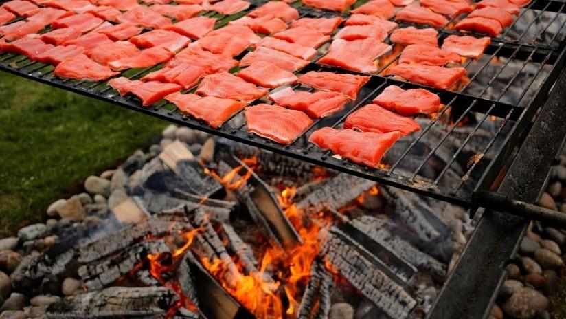 Advierten que cocinar con carbón o leña incrementa el riesgo de muerte a causa de una enfermedad