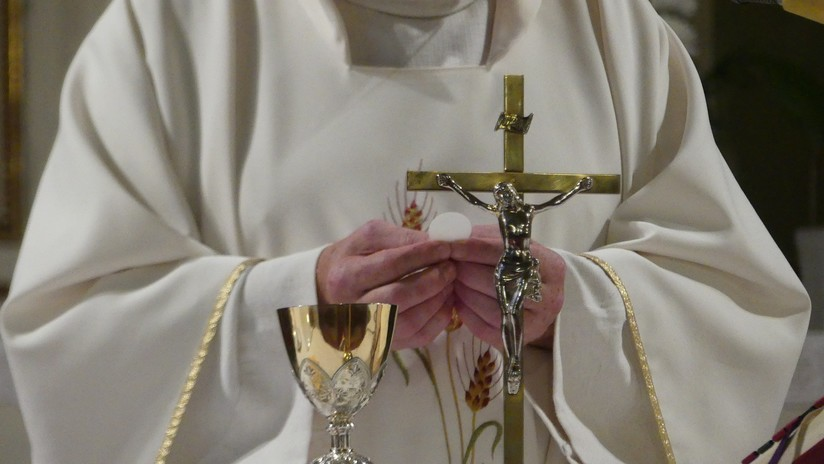 """""""Tenemos pruebas"""": Denuncian que el Vaticano conocía el encubrimiento de abusos de más a 1.000 niños"""