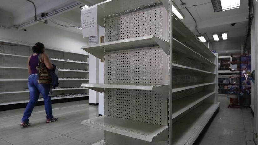 """""""Con las manos en la masa"""": Empresario vasco graba cómo esconden productos en farmacia venezolana"""