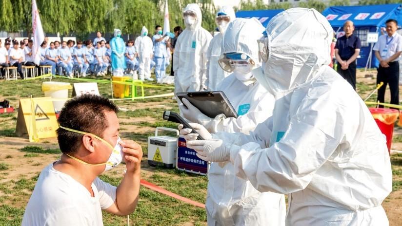En EE.UU. acusan a China de no compartir muestras de un mortífero virus