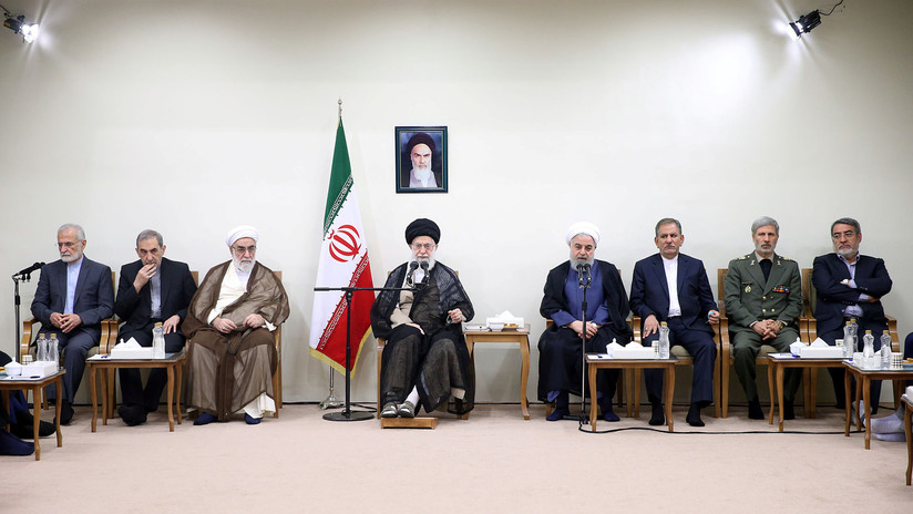 El líder supremo de Irán afirma estar listo para abandonar el acuerdo nuclear de ser necesario