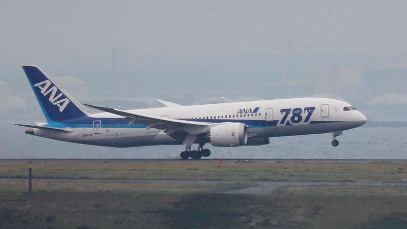 VIDEO: El espantoso momento en el que un avión de pasajeros aterriza en medio de un tifón