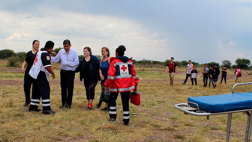Trabajadores de la Cruz Roja en el sitio del accidente aéreo en Durango / Red Cross Durango via AP / AP