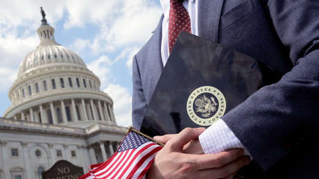 Banderas de EE. UU. durante un mitin en el Capitolio de los Estados Unidos. 21 de mayo de 2018.