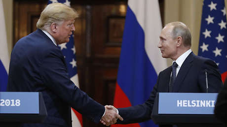 El presidente de EE.UU., Donald Trump, y el presidente de Rusia, Vladímir Putin,  durante una conferencia de prensa conjunta en Helsinki, Finlandia, el 16 de julio de 2018.