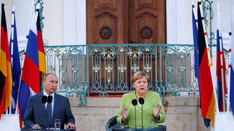 Vladímir Putin y Angela Merkel durante una rueda de prensa conjunta en el palacio de Meseberg, Alemania, el 18 de agosto de 2018