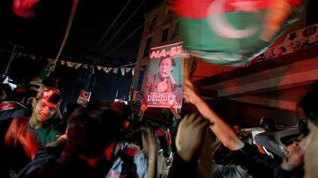Partidarios de Imran Khan celebran su victoria en los comicios, Islamabad, Pakistán, 25 de julio de 2018.