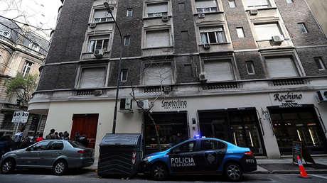Un vehículo de la policía frente al domicilio de Cristina Fernández en Buenos Aires, 23 de agosto de 2018