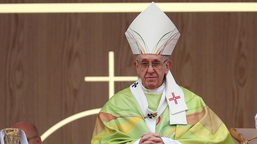 """Miles de mujeres """"enojadas"""" piden al papa """"transparencia"""" sobre los abusos sexuales en la Iglesia"""