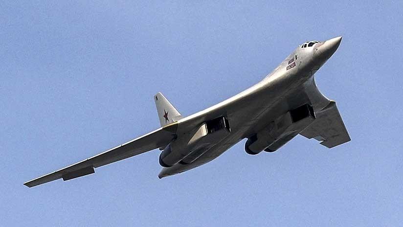 Dos bombarderos rusos Tu-160 realizan ejercicios en el mar Mediterráneo