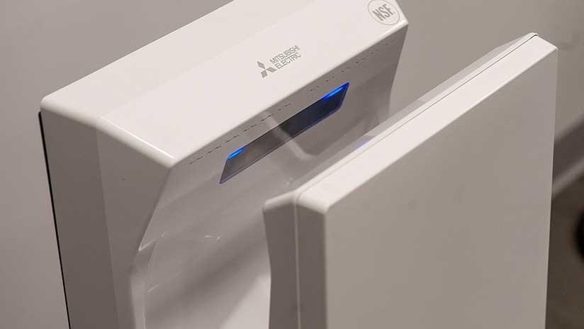 Por qué no deberías usar secadores de manos en lugares públicos