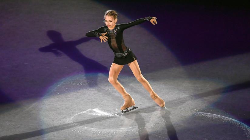 Una patinadora rusa de 14 años establece un récord con un salto nunca intentado en patinaje femenino