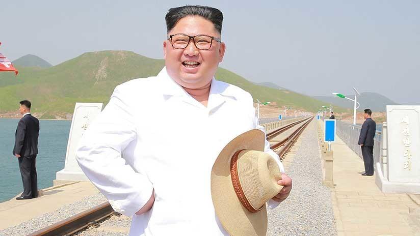 Desfile militar sin misiles en Norcorea