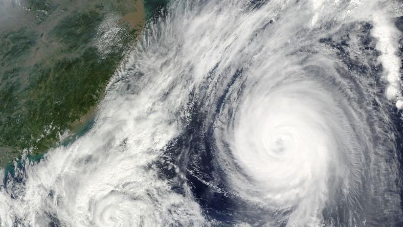 Huracán Florence mantiene categoría 4 a 1.000 kilómetros de Estados Unidos
